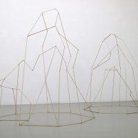 Daniela Wesenberg ohne Titel, 2014 2 Objekte, Holz, Messing, Silber b_installation04_hmis_lb
